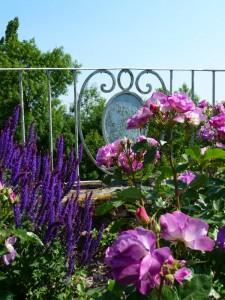 BEAUVAIS et 2 des plus beaux villages de France à 100 kms au nord de PARIS